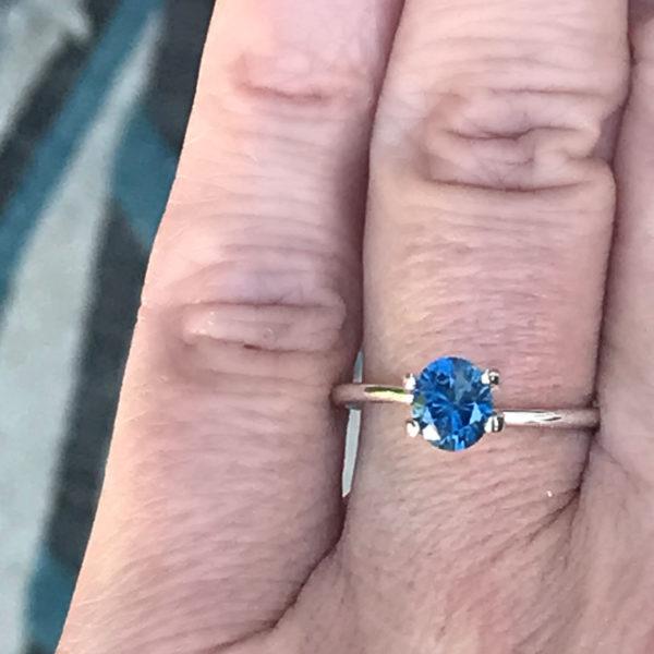 montana-sapphire-blue-oval-1-12-carats