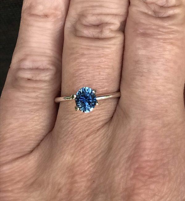 Montana Sapphire Blue - Oval 1.39 carats 178117